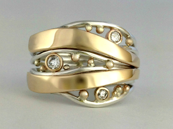 Bubbles And Wake Ring with Diamonds