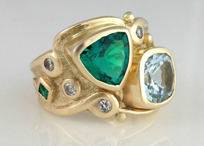 The Royal Emerald Ring