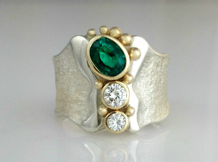 Emerald emPOWER Ring